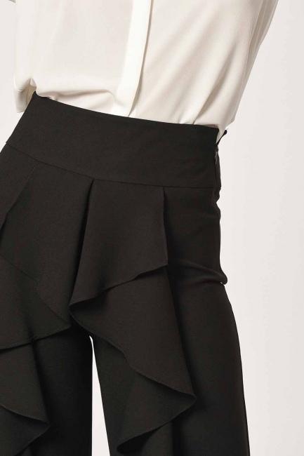 MIZALLE - Önü Fırfırlı Pantolon (Siyah) (1)