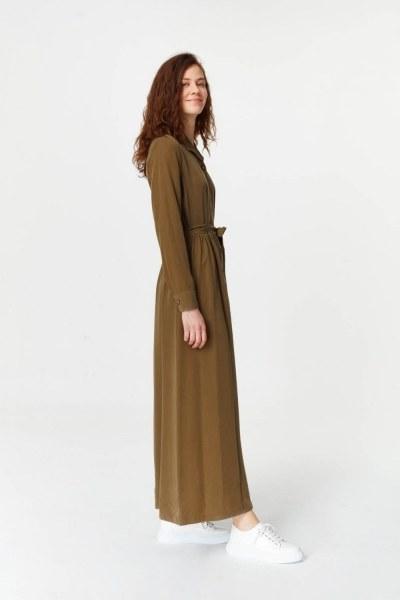 MIZALLE - فستان بنسيج أمامي إضافي (أخضر داكن) (1)