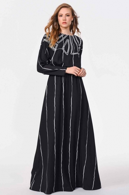 MIZALLE - فستان طويل مع تصميم على الجبهة (أسود) (1)