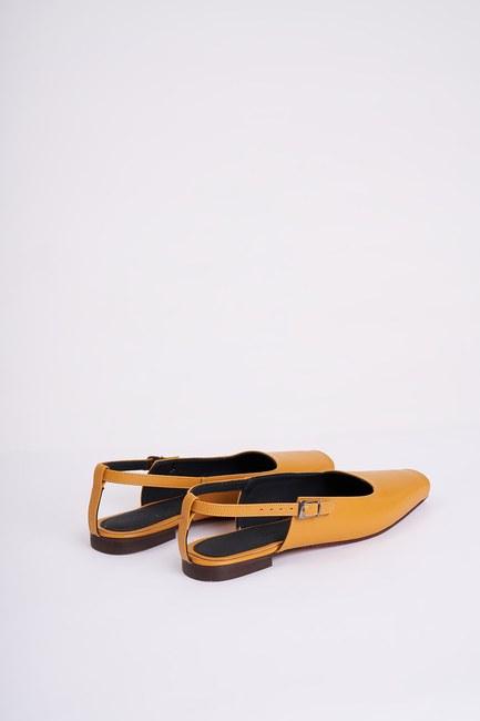Mizalle - حذاء مسطح مفتوح من الأمام ( لون الخردل ) (1)