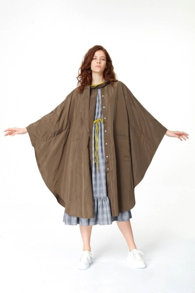 MIZALLE Poncho Design Raincoat (Khaki)
