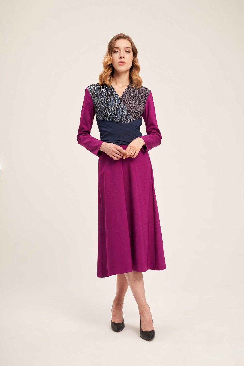 Parça Detaylı Mor Elbise
