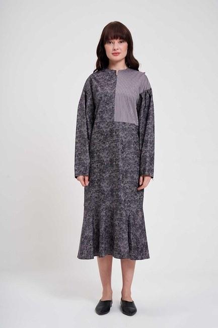 Mizalle - Parçalı Desenli Elbise (Gri)