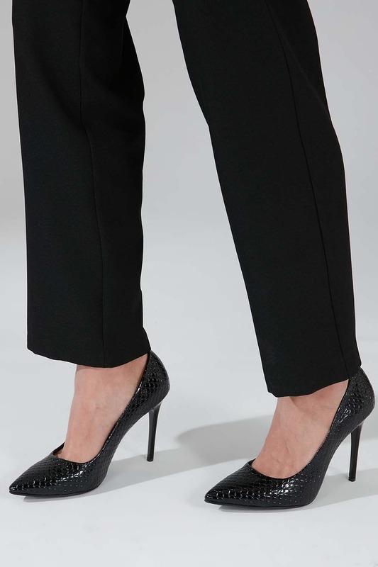 Parlak İnce Topuklu Ayakkabı (Siyah)