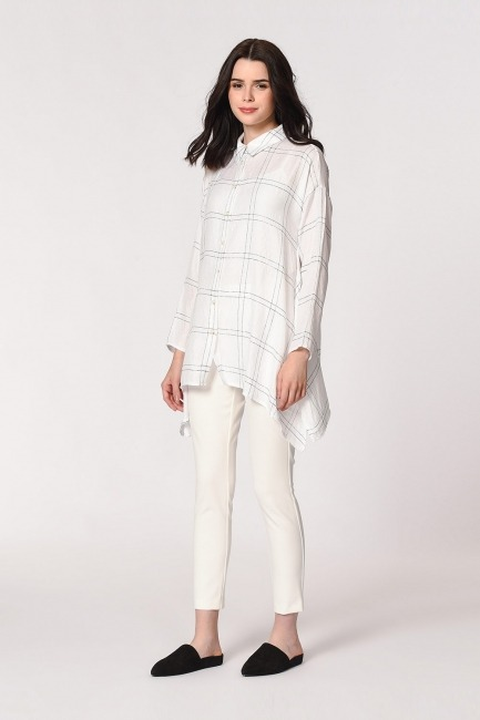 Mizalle - Parlak Simli Ekose Bluz (Beyaz)