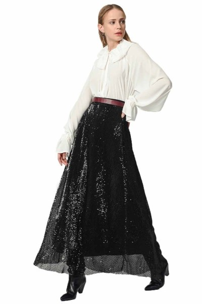MIZALLE Sequin Skirt (Black)