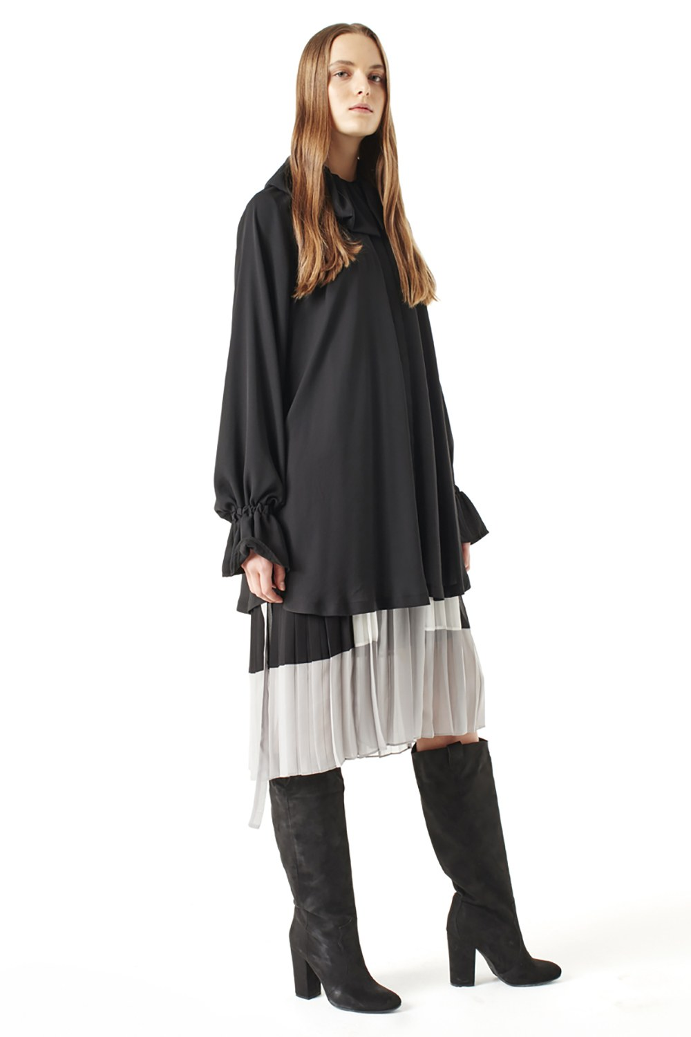 MIZALLE Cloak Collar Dress (Black) (1)