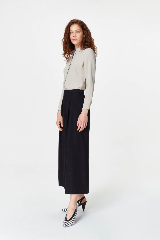MIZALLE Pile Detaylı Geniş Paça Pantolon (Siyah) (1)