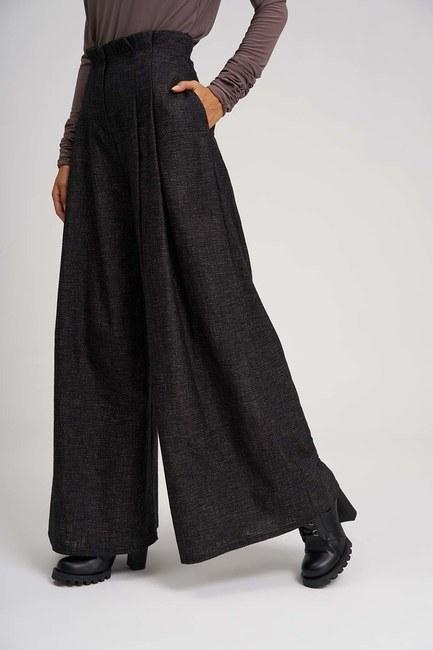 MIZALLE - Pleated Plenty Leg Trousers (Brown) (1)