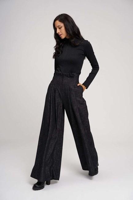 MIZALLE - Pleated Plenty Leg Trousers (Black) (1)