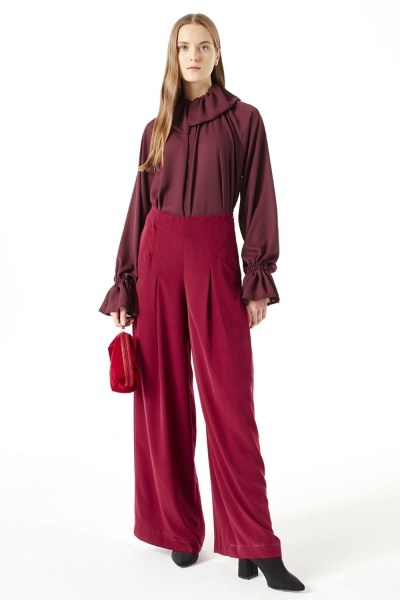 MIZALLE Pleated Trousers (Claret Red)