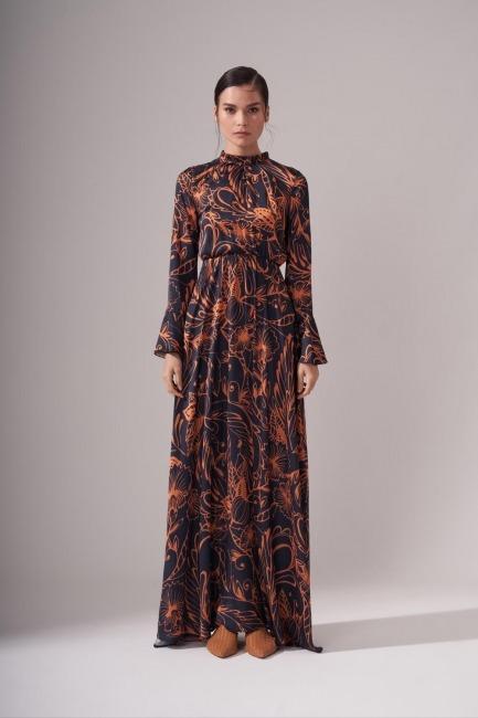 Mizalle - Pileli Yaka Desenli Elbise (Safran)