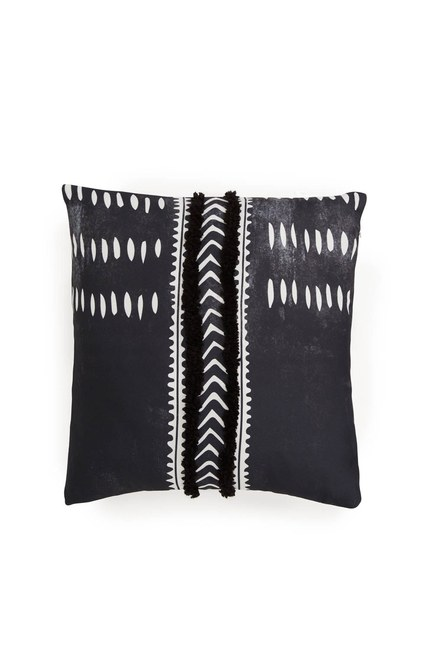 MIZALLE HOME Pillow Case (Tasseled)