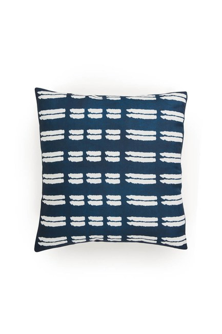 MIZALLE HOME Pillow Case (White Patterned)