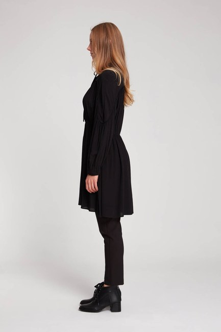 Mizalle - Piped Blouse (Black) (1)