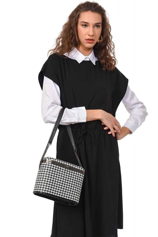 Box Shoulder Bag (Black)