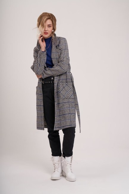 MIZALLE YOUTH - جاكيت طويل منقوش (أسود / أبيض) (1)
