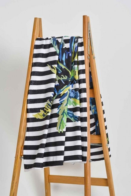 MIZALLE HOME Beach Towel (Palm)