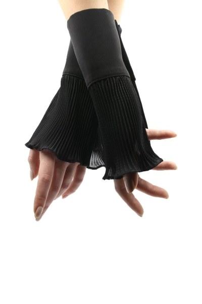 MIZALLE Pliseli Tamamlayıcı Kolluk (Siyah)