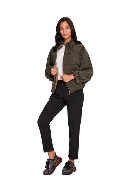 MIZALLE Plush-Lined Short Jacket (Khaki)