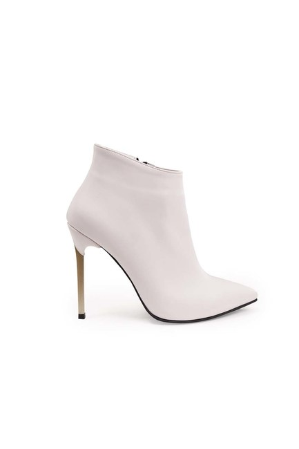 MIZALLE - Pointed Heeled Boots (White) (1)
