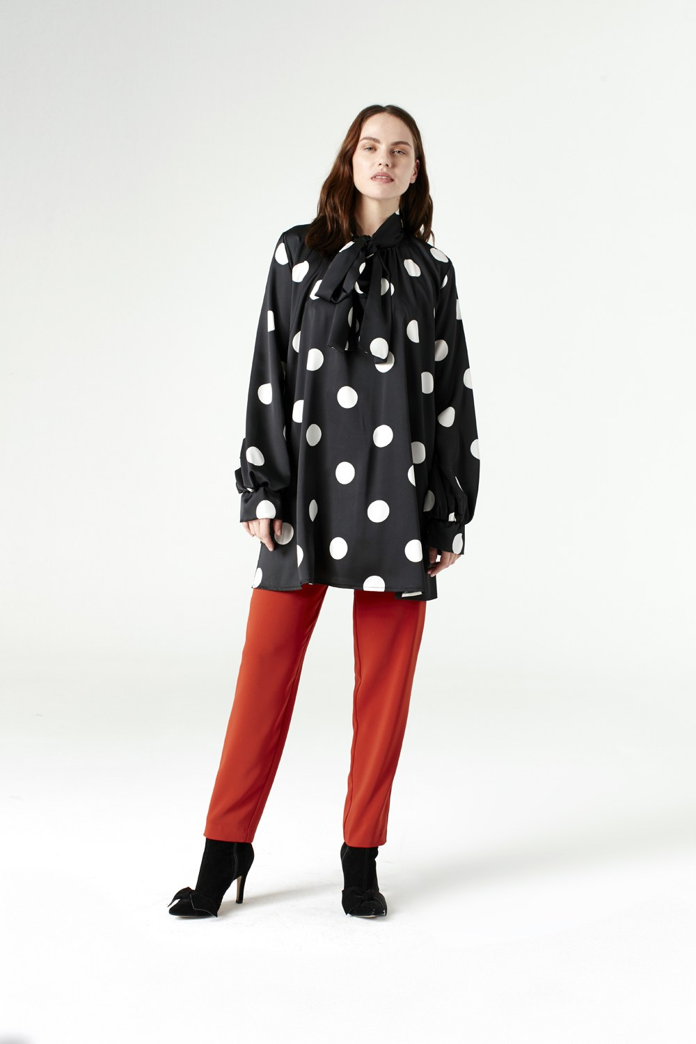 MIZALLE Polka Dot Shirt (Black) (1)