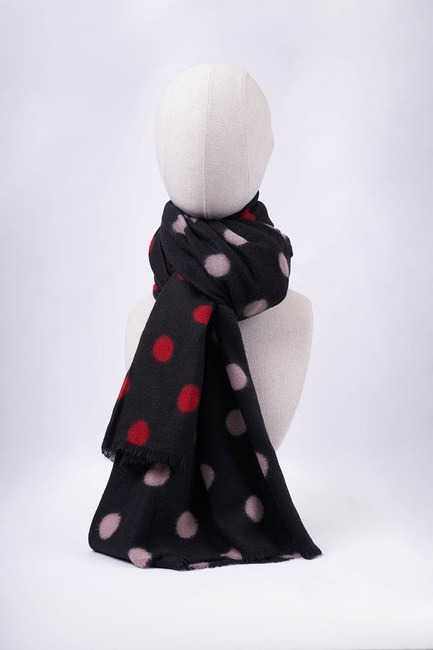 MIZALLE - Polka Dot Thick Shawl (Black) (1)