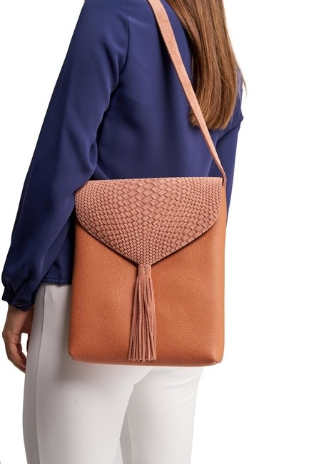 MIZALLE Tassel Shoulder Bag (Salmon)