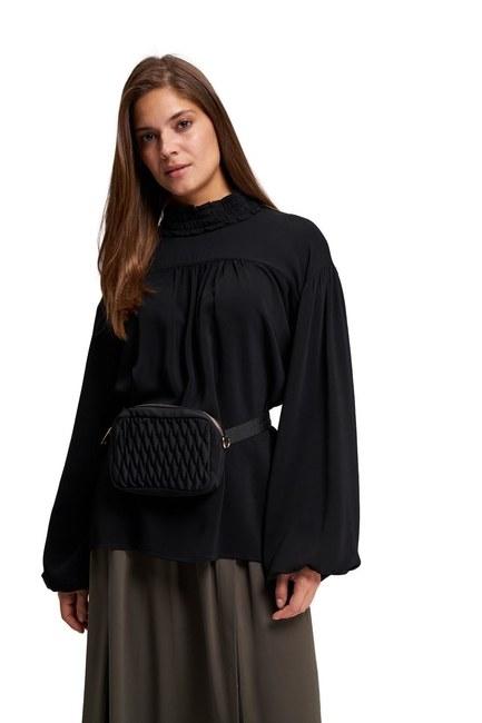 MIZALLE حقيبة كتف وخصر مبطن (أسود)