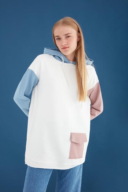 Mizalle - Renk Bloklu Ekru Oversize Sweatshirt