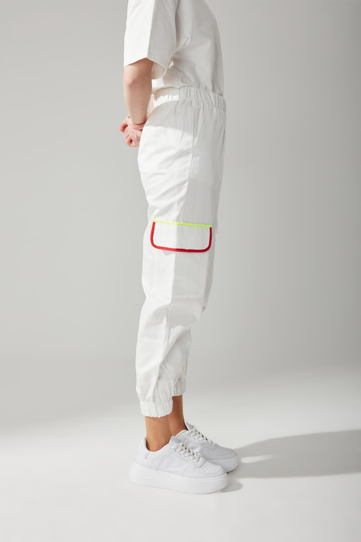 Kargo Cepli Jogger Beyaz Pantolon