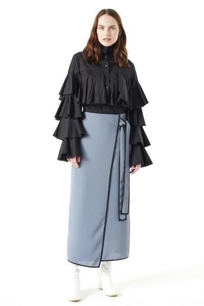 MIZALLE Ruffle Shirt (Black)