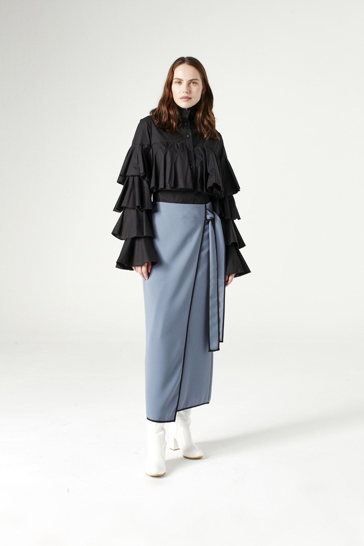 MIZALLE Ruffle Shirt (Black) (1)