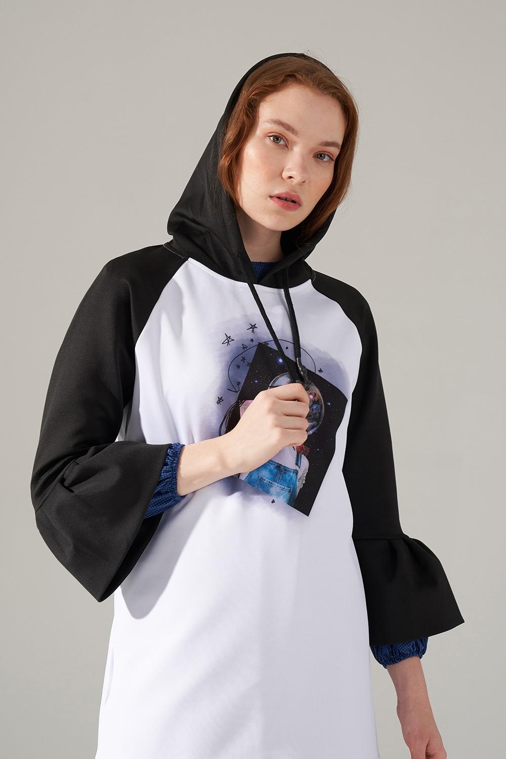 Uzay Baskılı Beyaz Scuba Sweatshirt