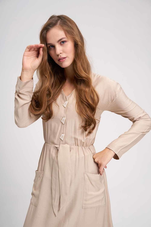 MIZALLE Sedef Düğmeli Viskon Uzun Elbise (Bej) (1)