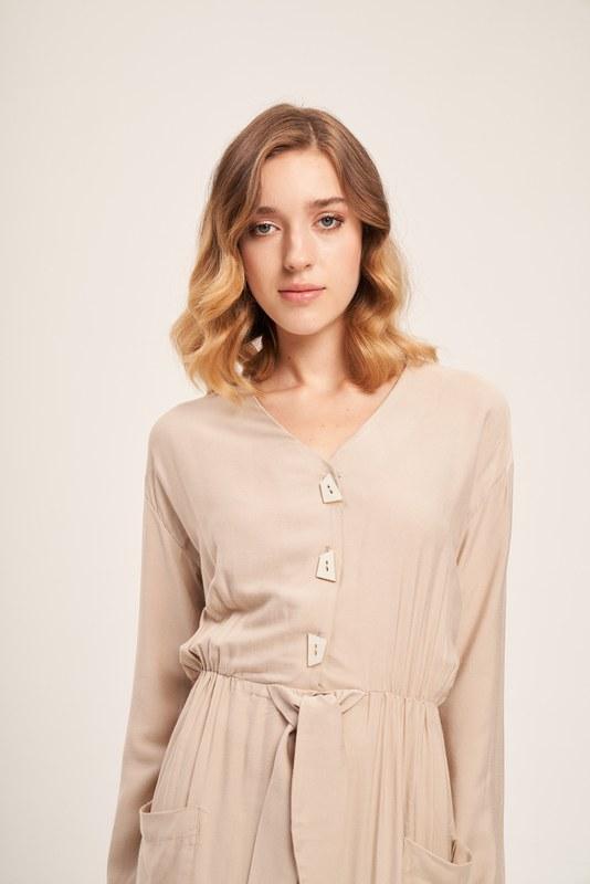 Sedef Düğmeli Viskon Uzun Bej Elbise