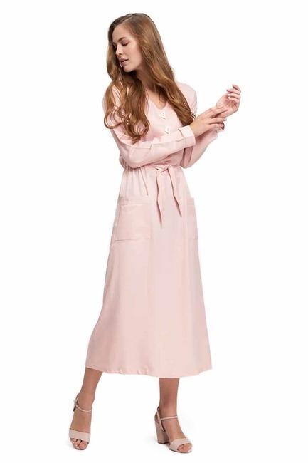 MIZALLE Sedef Düğmeli Viskon Uzun Elbise (Pudra)
