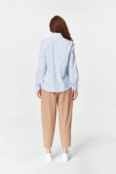 MIZALLE - قميص مع طوق مطوي (الأزرق) (1)