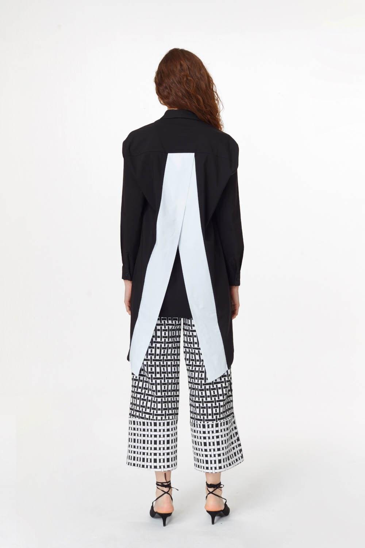 MIZALLE Sırtı Garnili Tunik Gömlek (Siyah) (1)