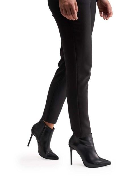 MIZALLE Sivri Topuk Klasik Yarım Bot (Siyah)