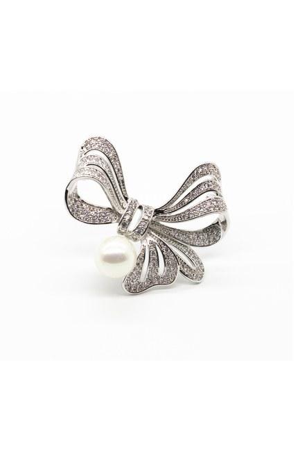 MIZALLE - Stoned Ribbons Brooch (Grey) (1)