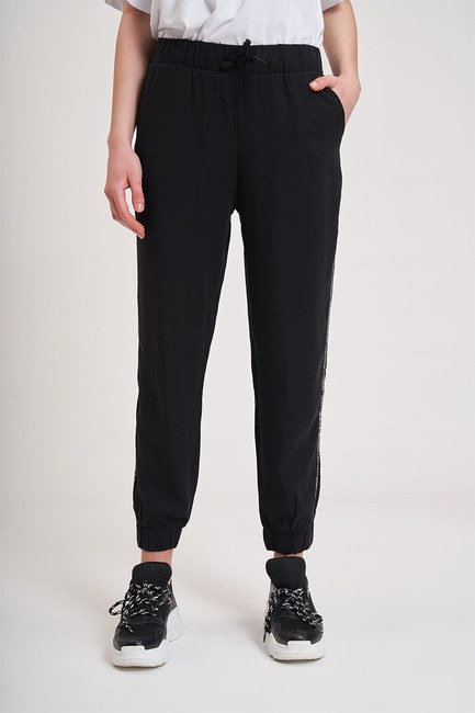 MIZALLE YOUTH - Stripe Detailed Trousers (Black) (1)