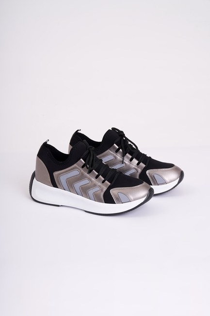 MIZALLE - Striped Scuba Sneakers (Grey) (1)