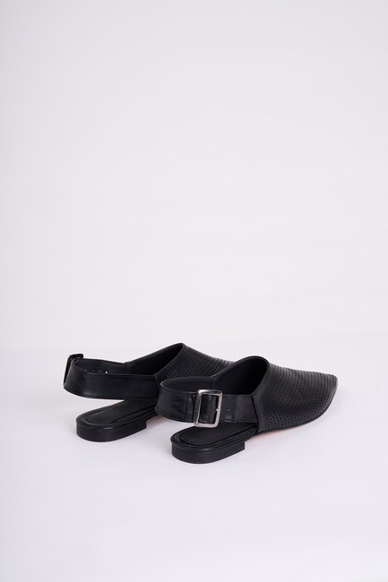 MIZALLE - Studded Buckle Shoes (Black) (1)