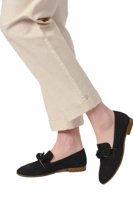 MIZALLE Suede Bow Leather Moccasins (Black)