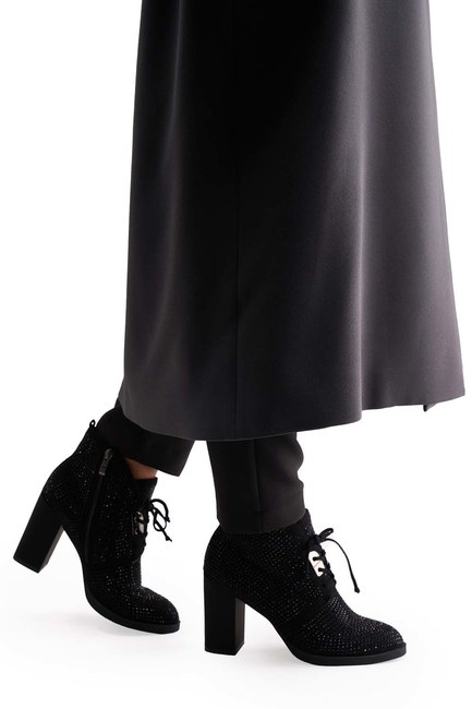 Mizalle - Taş Detaylı Topuklu Bot (Siyah)