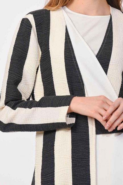 MIZALLE - Tasarım Çizgili Ceket (Siyah/Beyaz) (1)