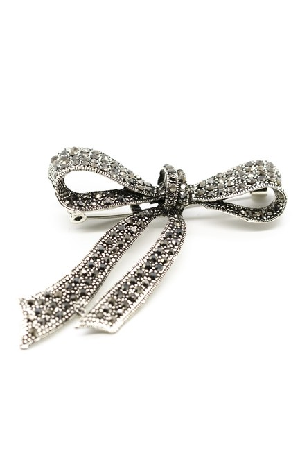 MIZALLE - Stoned Bow Tie Brooch (Black) (1)