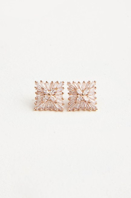 MIZALLE - Zirkon Square Shaped Earrings (Gold) (1)