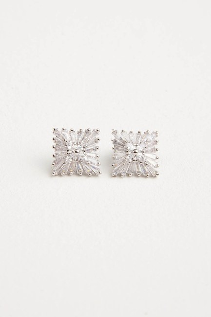 MIZALLE - Square Shaped Earrings (Grey) (1)